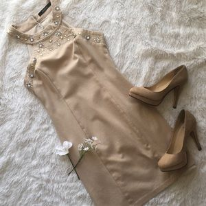 ⭐️STUNNING Nude dress with Beaded/Sequined neck⭐️